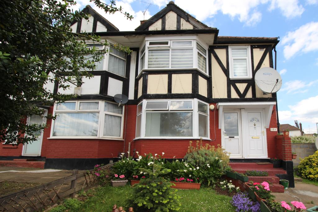 1 Bedroom Maisonette – Beresford Avenue